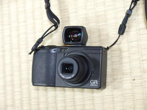 camera_GR.jpg