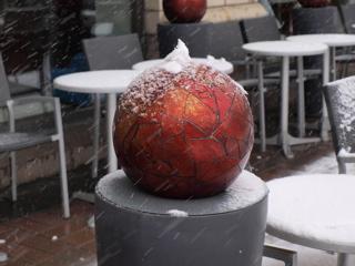 snow08_fireball01.jpg